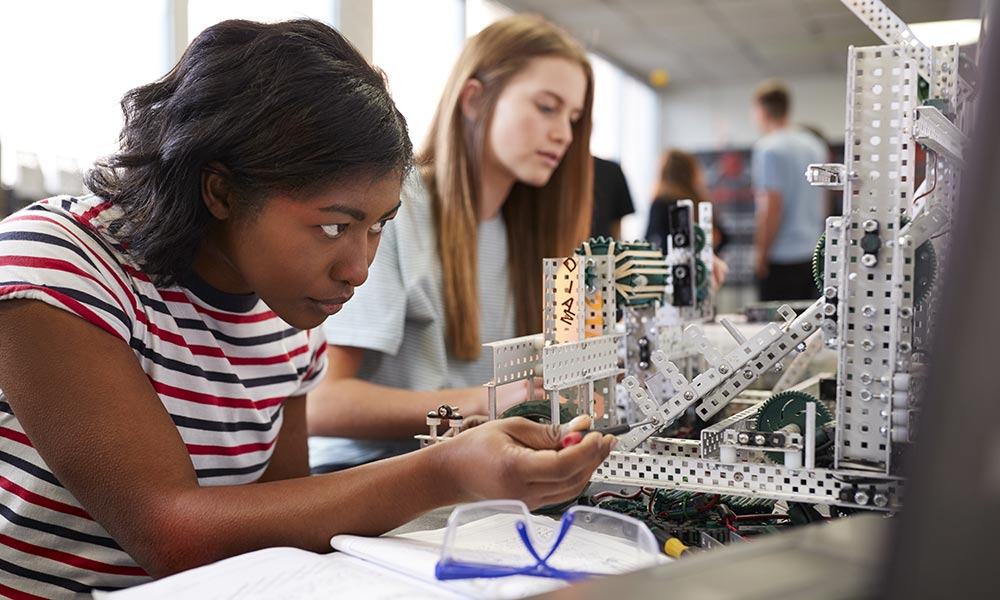 How STEM Education Can Close Gender, Ethnicity, and Income Gaps
